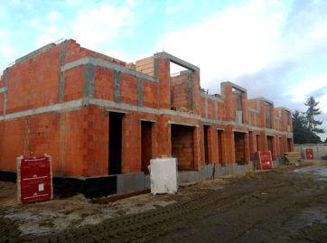 LISMAR - budowa nowych domów szeregowych w Gźnienie przy ulicy Dojazd blisko poznańskiej - fundamenty